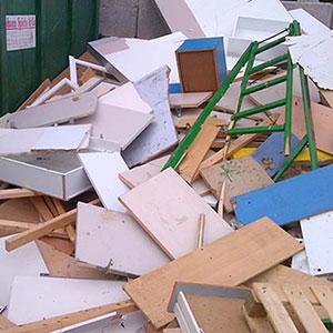 Altholz - Was darf hinein: Möbelteile aus Holz