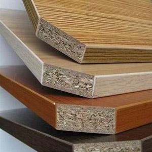 Altholz - Was darf nicht hinein: Spanplatten mit PVC-Beschichtungen