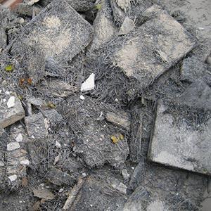 Asbestzement [Eternit] - Was darf nicht hinein: Asbesthältige Beläge