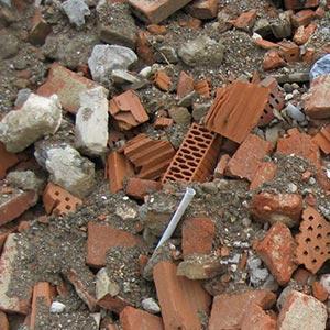 Bauschutt - Was darf hinein: Ziegel & Steine