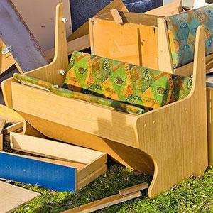 Sperrmüll - Was darf hinein: kaputte Möbel